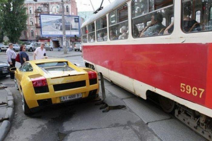 Девушка на Lamborghini заблокировала движение