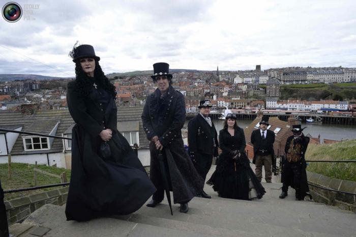 Фестиваль готической субкультуры в Англии - «Whitby Gothic Weekend»