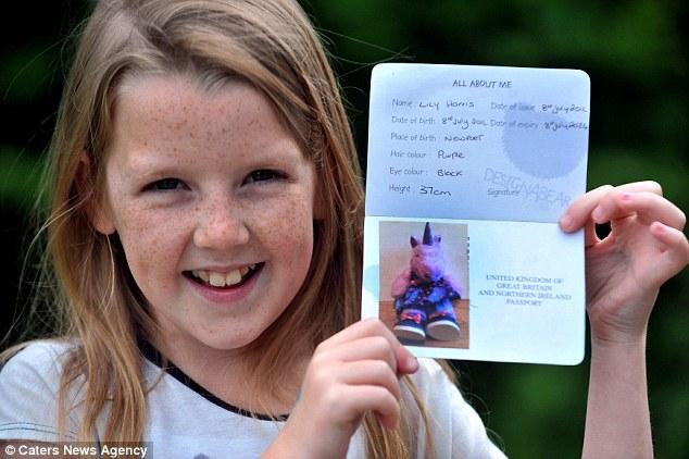 9-летняя школьница проехала в Турцию по игрушечному паспорту