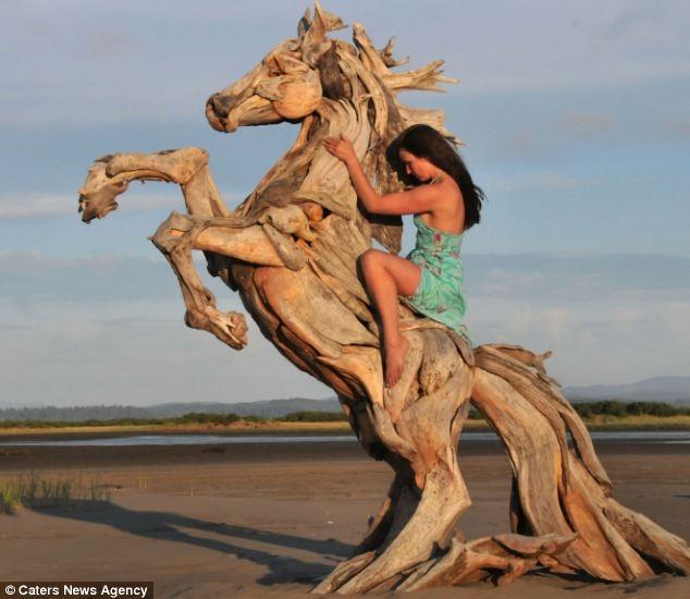 Удивительные работы из дерева