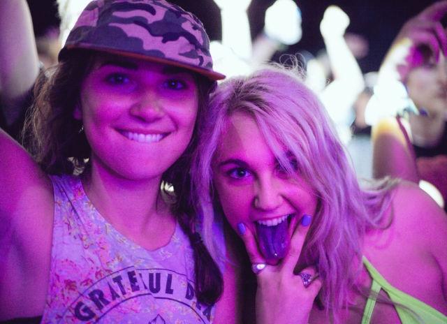 Девушки с фестиваля Electric Forest