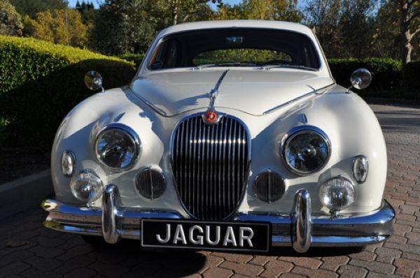 Не желаете раскошелиться на раритетный Jaguar, принадлежавший Кеннеди?