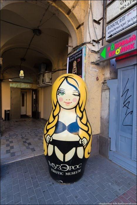 Увлекательная фотоэкскурсия по музею эротики в Санкт-Петербурге