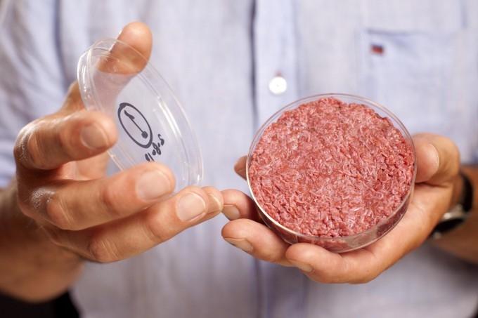 Первый в мире искусственный гамбургер