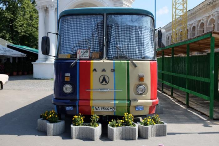 Прикольный загадочный автобус