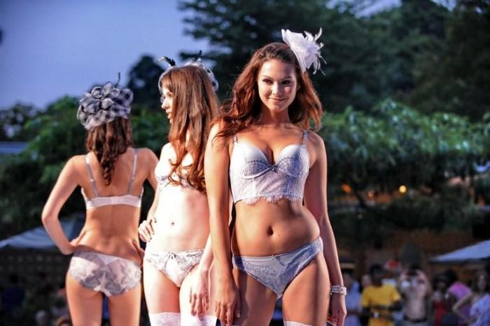Сингапурский фестиваль бикини