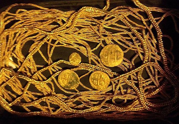 Семейство охотников за сокровищами нашло испанские сокровища