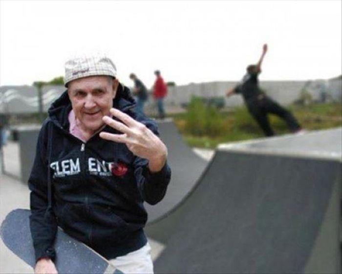 Пожилые люди ведущие активный образ жизни