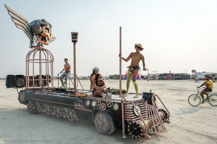 Транспортные средства Burning Man 2013