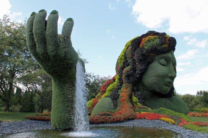 Цветочные скульптуры в Монреале