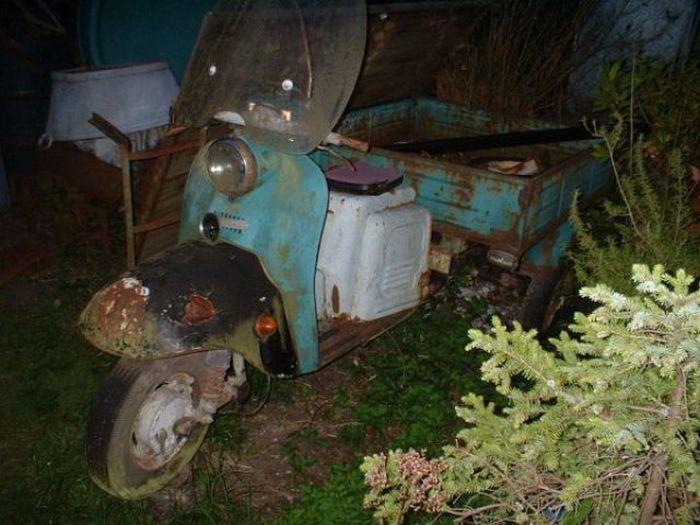 Дом на колесах из советского мопеда