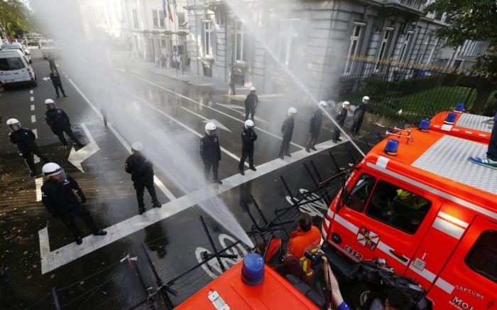 Бельгия Пожарные против полицейских