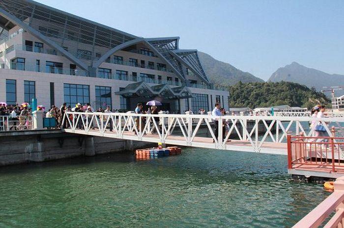 Случай на мосту в Китае