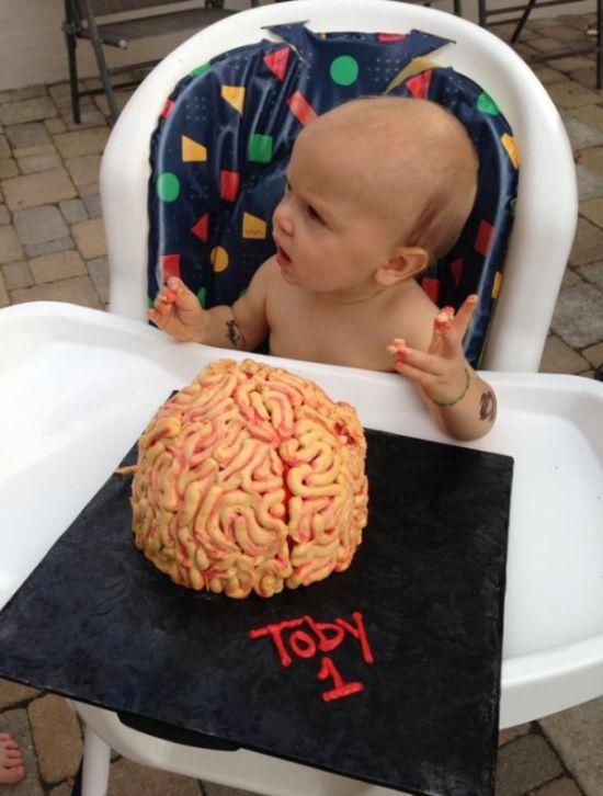 Первый торт в жизни Тоби