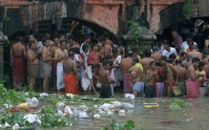 Ужасы священной реки ганг