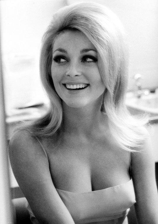 Смотреть порнофото блондинок 40 лет 27 фотография