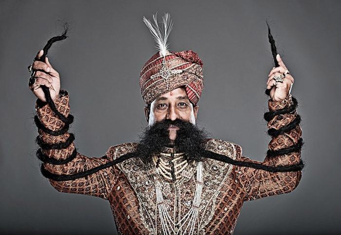 Рам Сингх Чаухан обладатель самых длинных усов