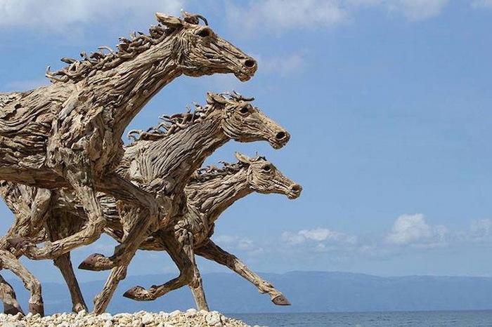 Деревянные лошади Джеймса Дорана-Уэбба