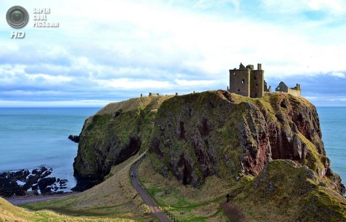 Замок Данноттар в Шотландии