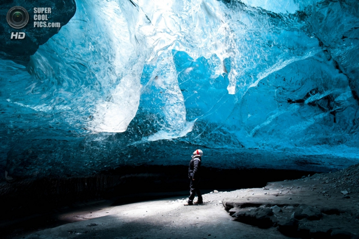 Лазурные пещеры ледника Ватнайёкюдль