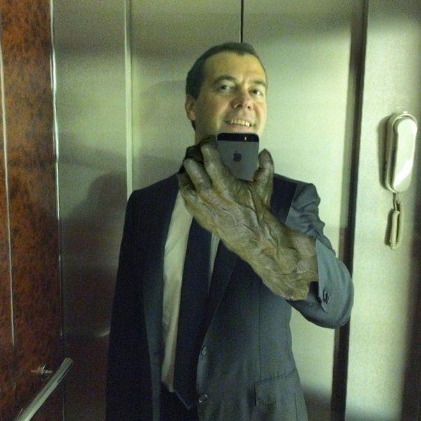 Фотожабы на селфи Медведева - 8