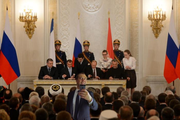 Фотожабы на селфи Медведева - 20