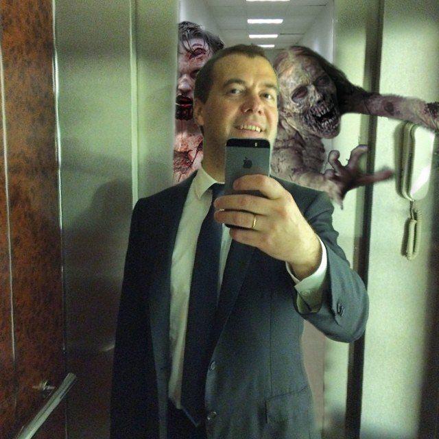 Фотожабы на селфи Медведева - 10