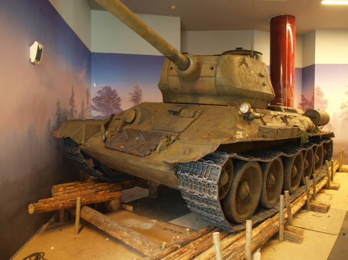Танк Т-34 из пенопласта