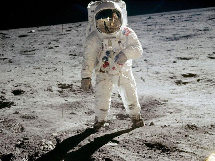 Первая высадка человека на Луну