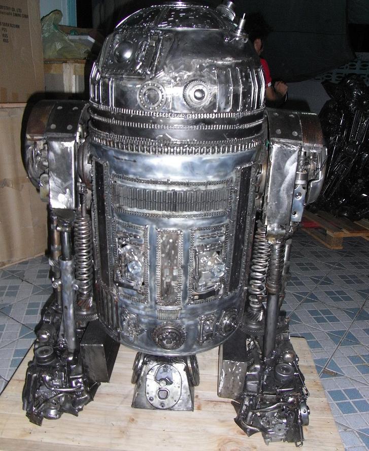 роботы из автозапчастей фото нынешнее