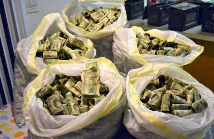 Как украсть 700 миллионов рублей