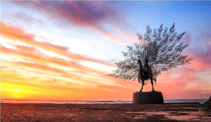 Скульптуры на пляже Австралии
