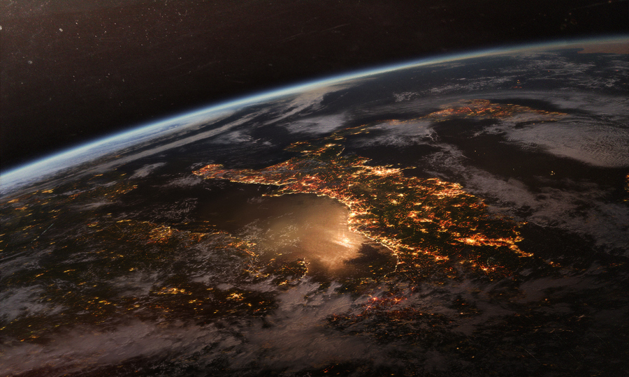 чуть позже фото в космосе светящегося города сама давно живу