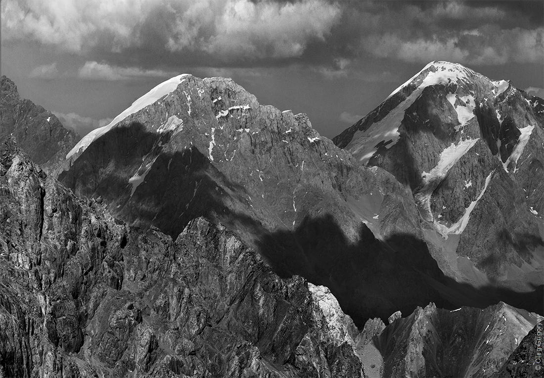 чихай тебе уральские горы картинки черно белые улан-удэ