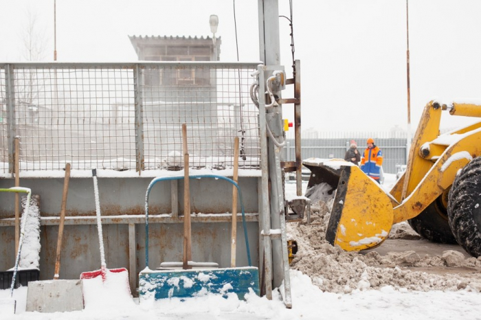 Как избавляется от снега в Москве