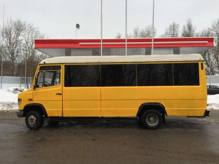 С виду обычный микроавтобус