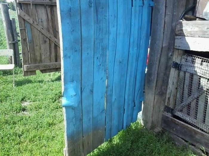 Неудачно покрасил гаражные ворота