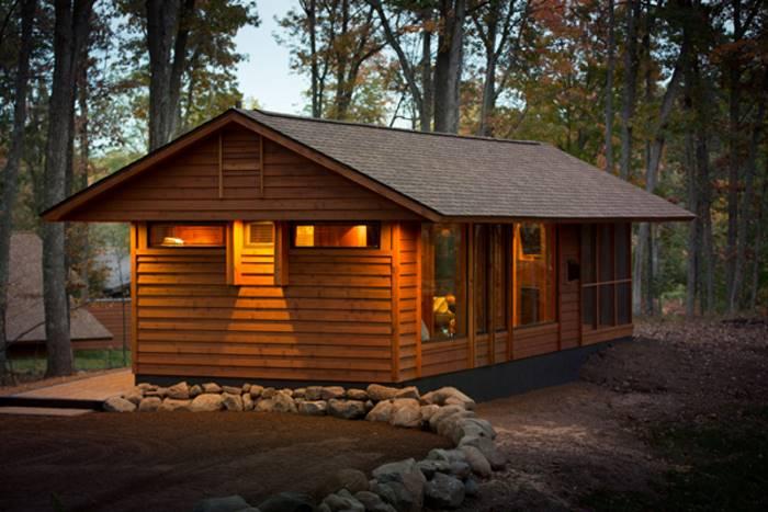 Передвижной дом в лесу