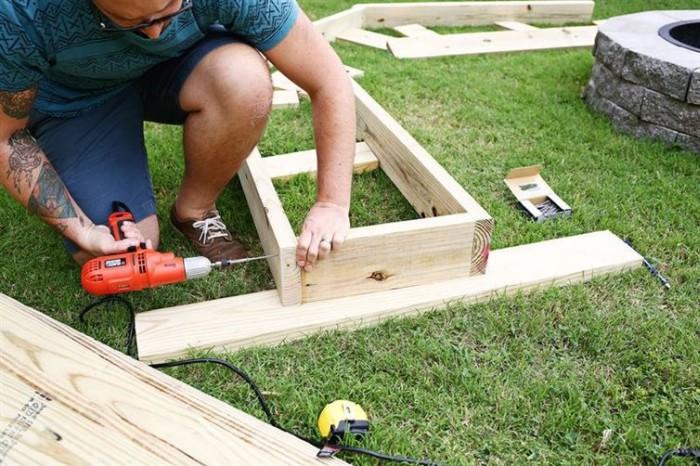 Угловая скамейка сделанная своими руками