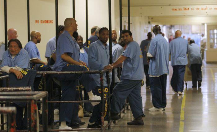 Как делают бизнес в тюрьмах