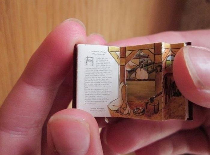 Коллекция самых миниатюрных книг в мире
