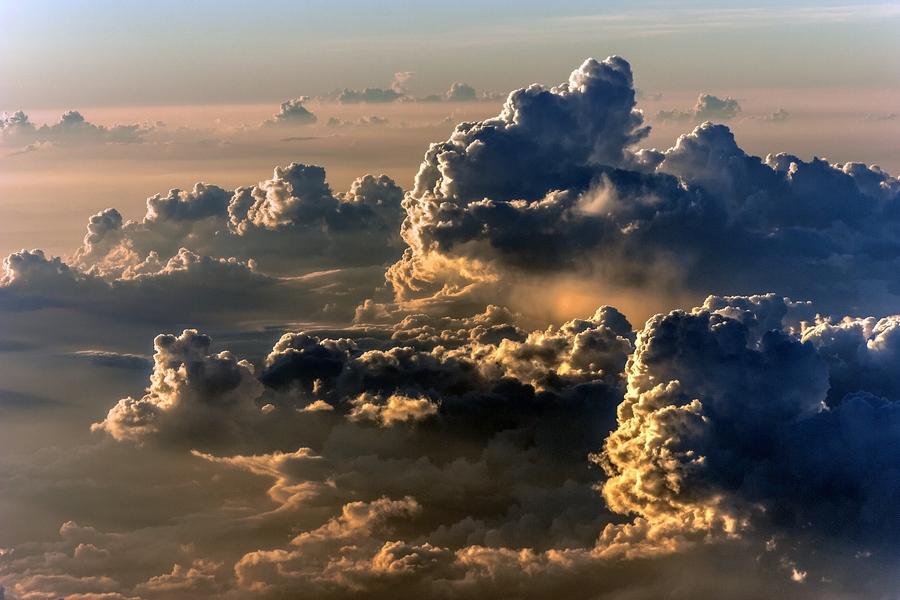выбрать земля в облаках красивая картинка программа просто