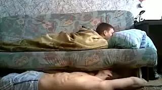 Прикол над спящим другом!