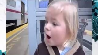 Неподдельные эмоции! Малышка встречает поезд!
