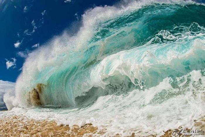 Как снимают гигантские волны