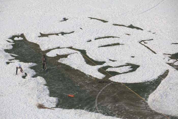 Портрет Мэрилин Монро из снега