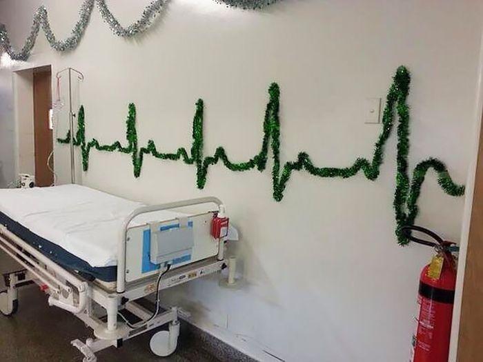 Новогодний креатив от врачей