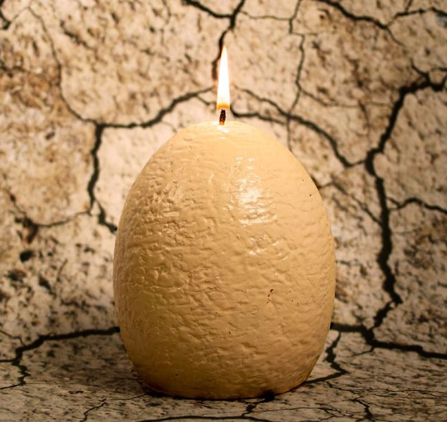 Оригинальная свеча с сюрпризом