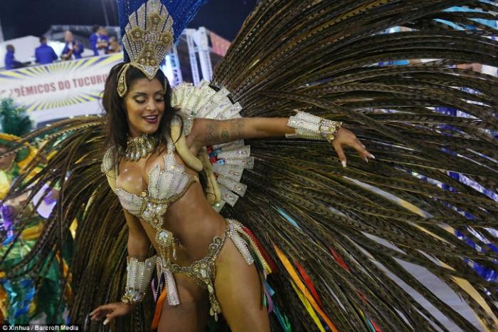 Карнавал в Рио-де-Жанейро 2016