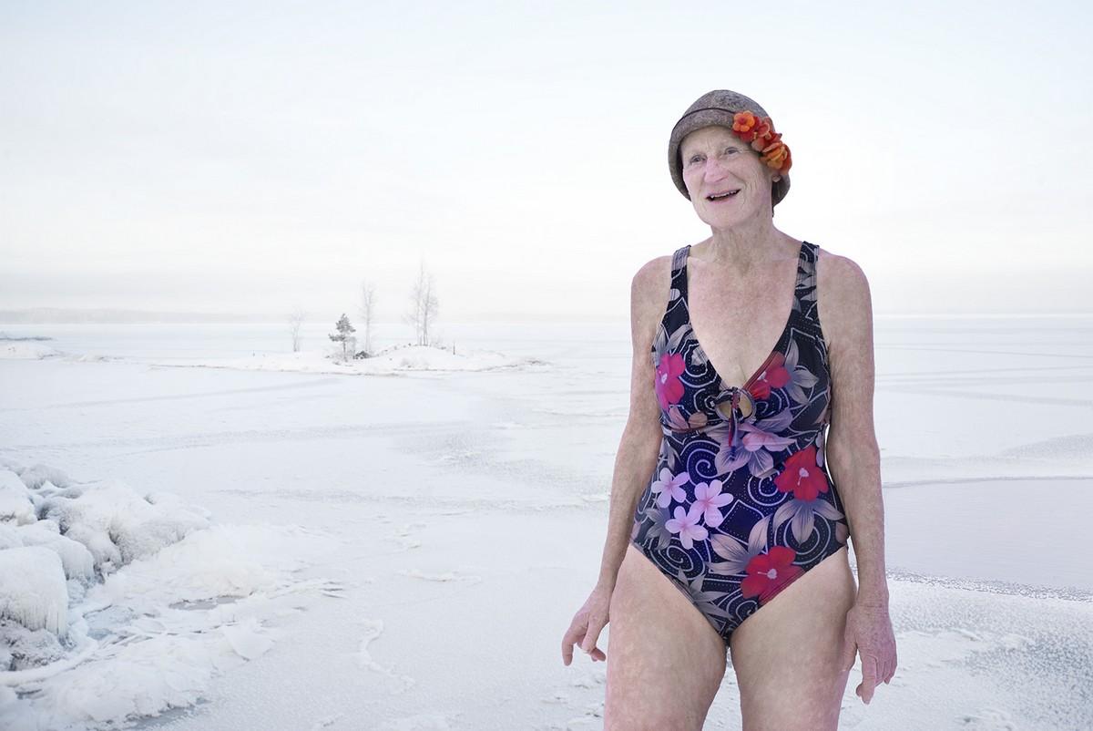 зимние купания фото попадаются